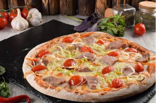 Испанская Пицца с Тунцом