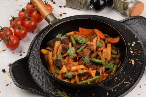 Ягнятина с овощами