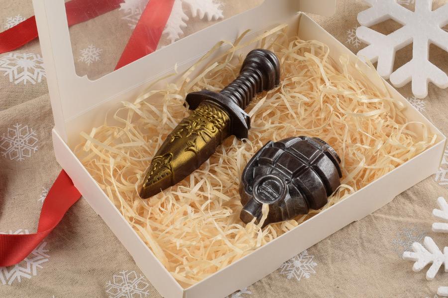 Шоколадный набор Кинжал с гранатой