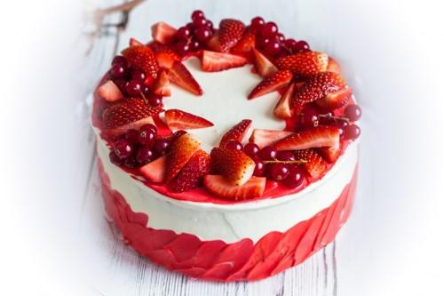 Торт Клубнично-смородиновый