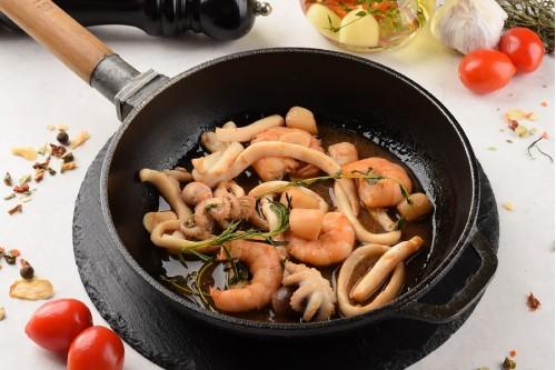 Сковородка с морепродуктами